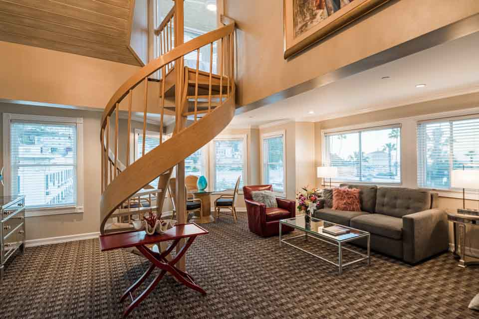 Staircase to Bedroom in The Clark Gable Suite