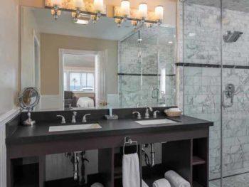 Catalina Island Hotel Glenmore Plaza Amelia Earhart Bath