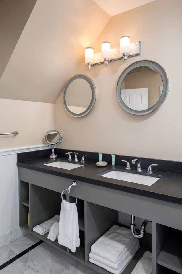 Chaplin Chaplin Suite His and Her sinks at Glenmore Plaza Hotel