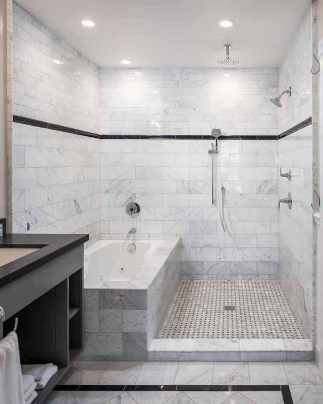 Charley Chaplin Suite  Bath at Glenmore Plaza Hotel