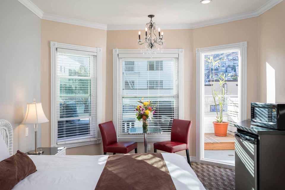 Catalina Island Hotel Glenmore Plaza King Premium Balcony Room