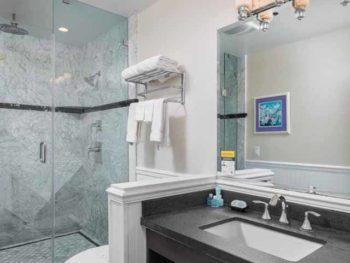 Catalina Island Hotel Glenmore Plaza King Premium Bath