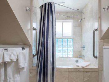 Catalina Island Hotel Glenmore Plaza Marilyn Monroe Bath