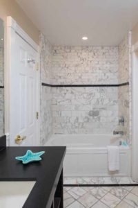 Premium King Suite Tub Shower at the Glenmore Plaza Hotel