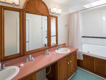 Catalina Island Hotel Glenmore Plaza Sundeck Suite Bath
